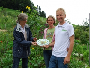 Gartenplakette-NaturimGarten-Vorarlberg-JuttaMangold-faktorNatur
